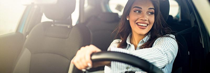 Seguro de automóvel: mulheres são mais atentas no trânsito e nos cuidados com o carro